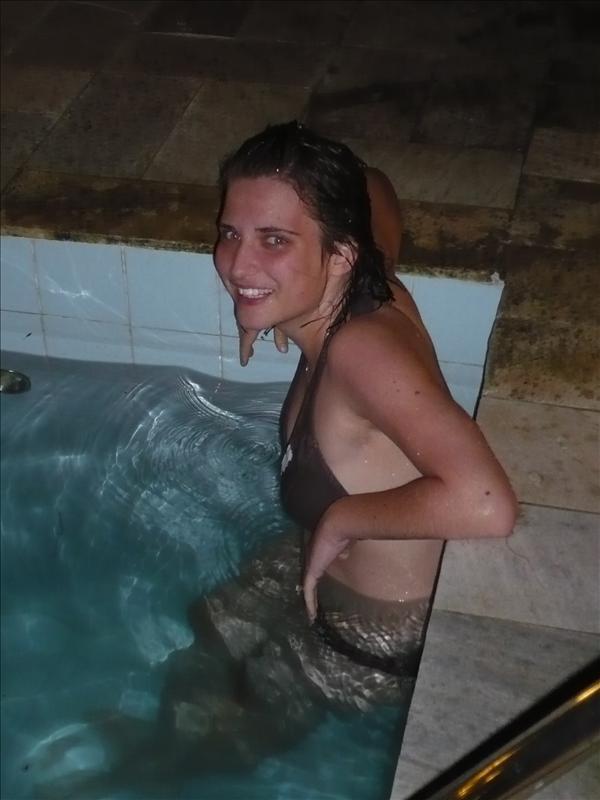 im Swimmingpool :)