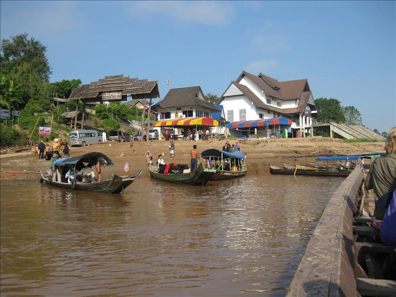 Leaving the Thai border via boat