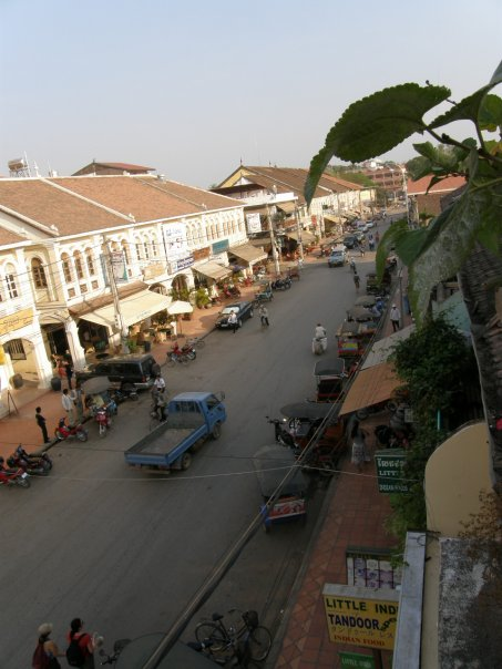 Siem Reap streetscape, taken from the balcony of the Soup Dragon.