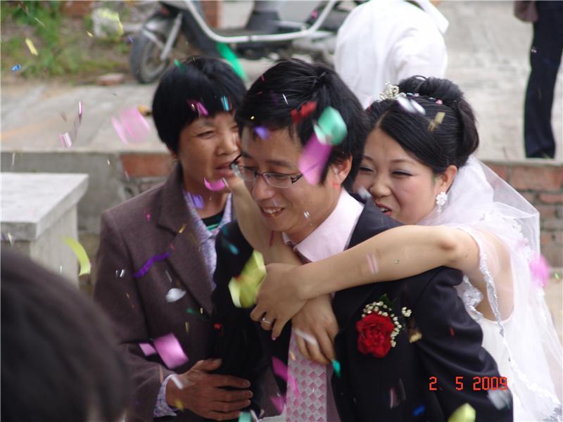上海婚俗-背新娘