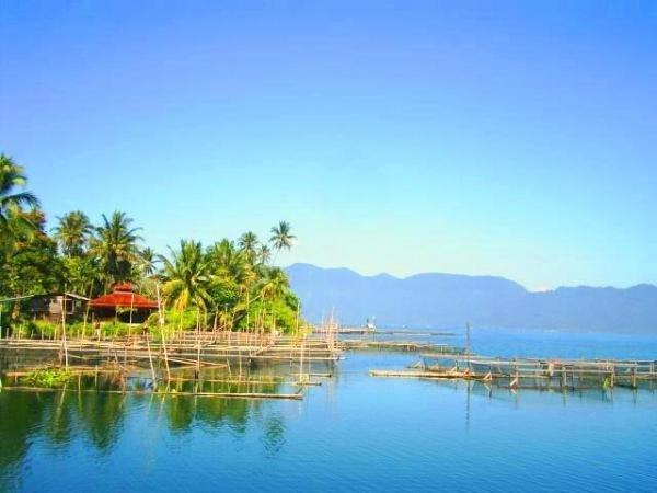 Lake Maninjau (Bukit tinggi)