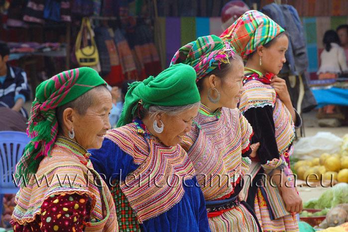 woman Flower H'Mong, Bach Ha, Lao Cai, Sapa, Vietnam