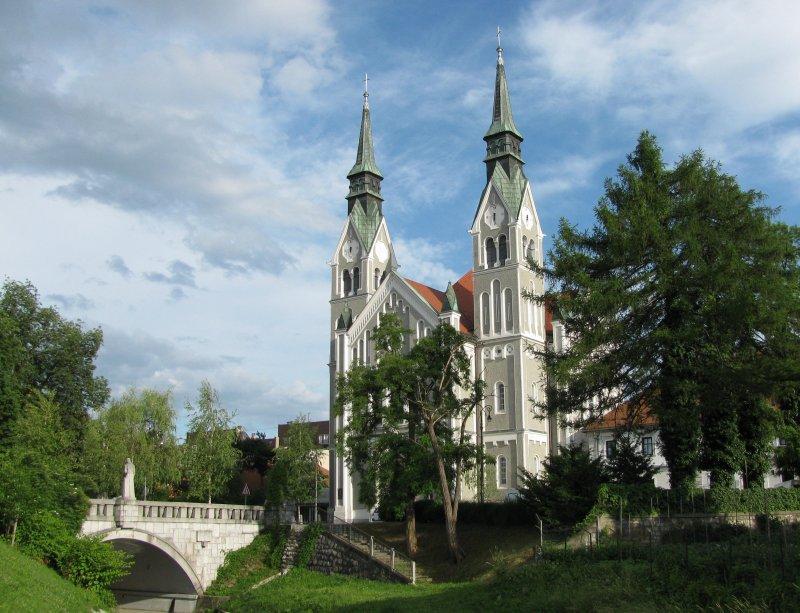 Many atractive churches.