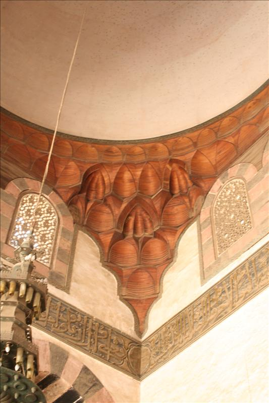 Nice decoration of the gallery of the an-Nasr Mohammed mosque