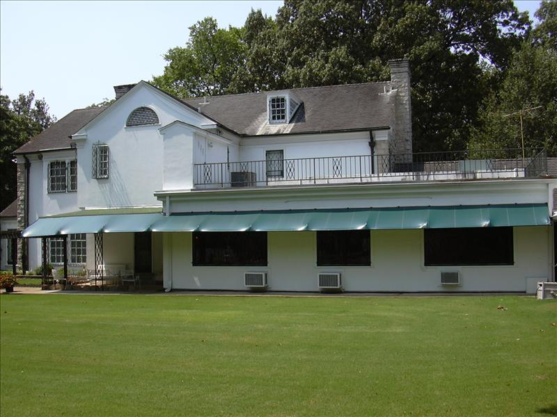 another rear view of Graceland, home of Elvis