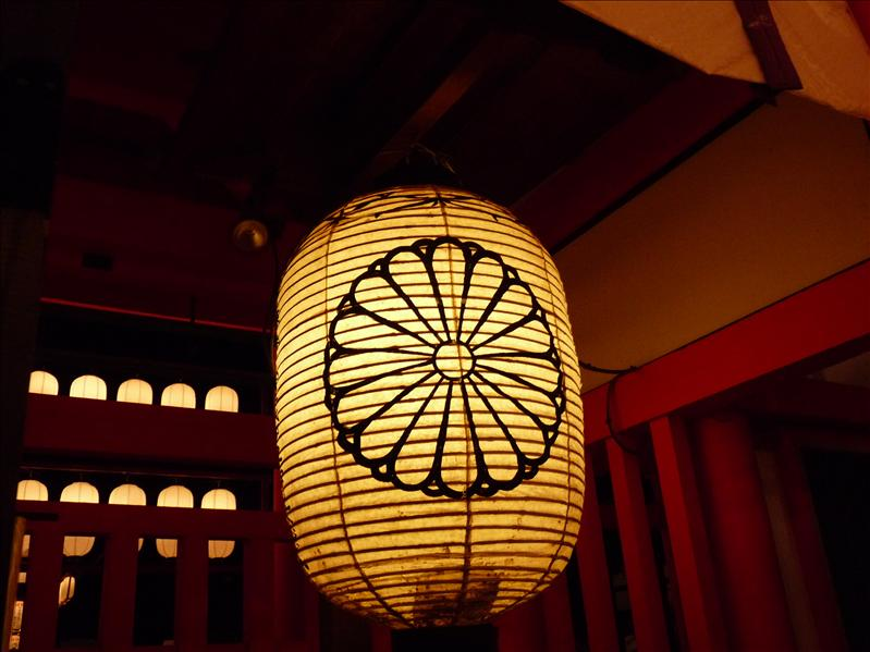a huge beautiful lantern I had to photoghraph