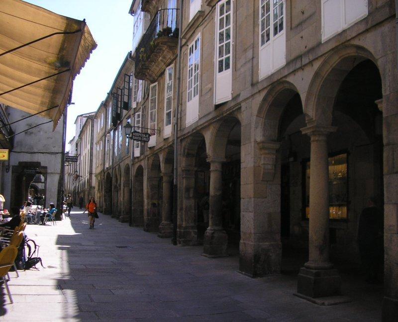 Santiago has many  arcaded streets.....