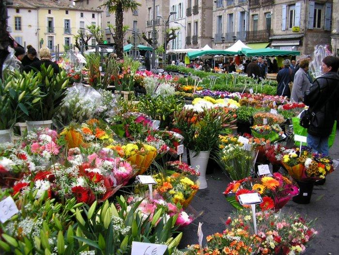 Market at Pezenas.