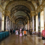 .. contains the Salle des Illustres.