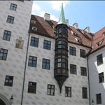 .. Monkey Tower in Alter Hof ..