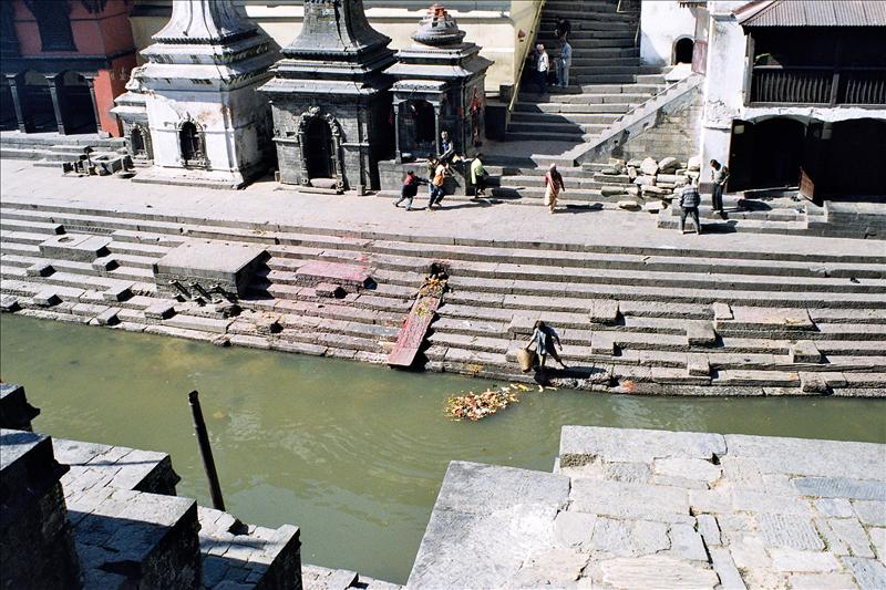 Pashapatinath, Ghats