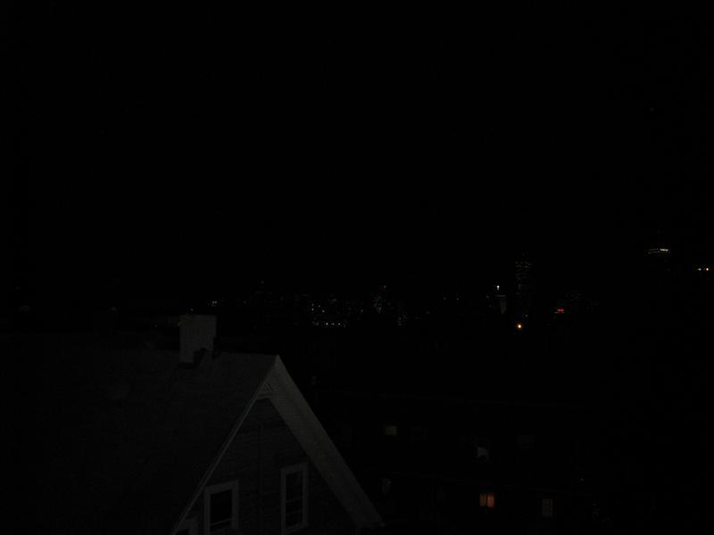 uitzicht vanaf balkon, je kan de stad zien