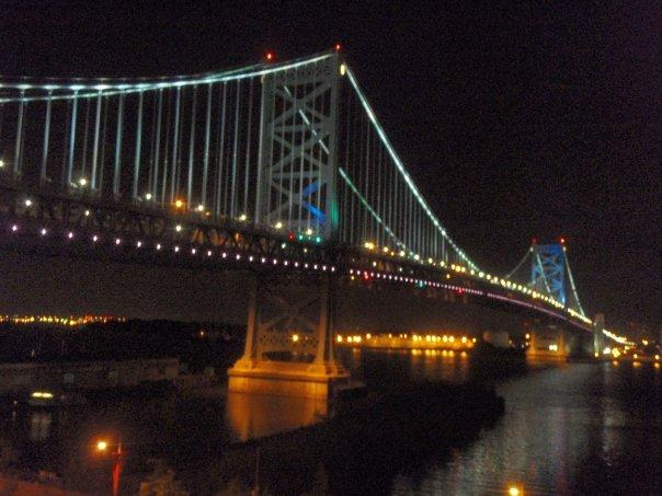the Ben Franklin Bridge at night