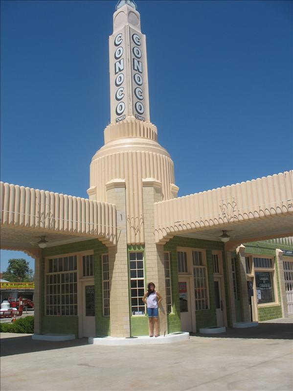 The Famous Route 66 Conoco Station