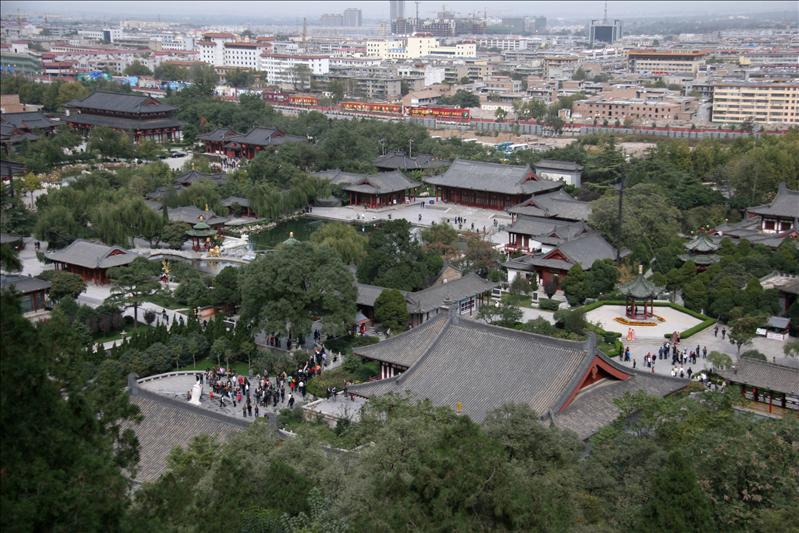 華清池,房子都是重建的