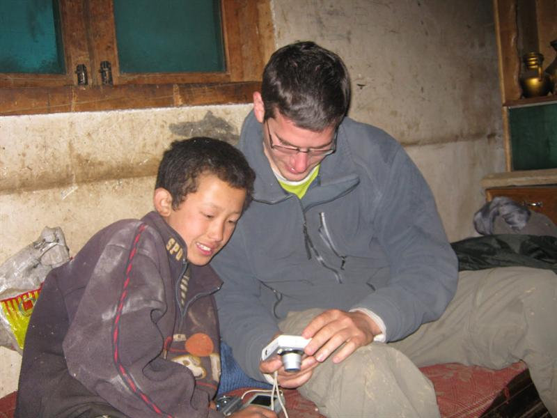 probably the smartest and most incredible 14 years old guy i ever met, who we ended up sleaping at his house and  having a great night with his Tibetan Family