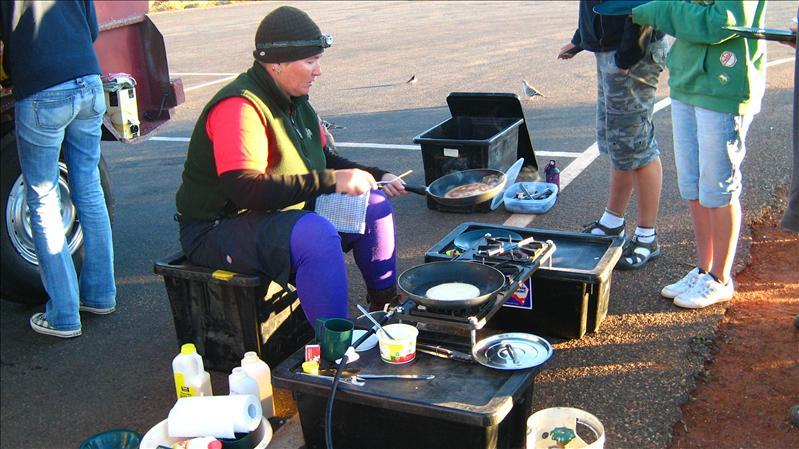 Flick cooking us Pancakes