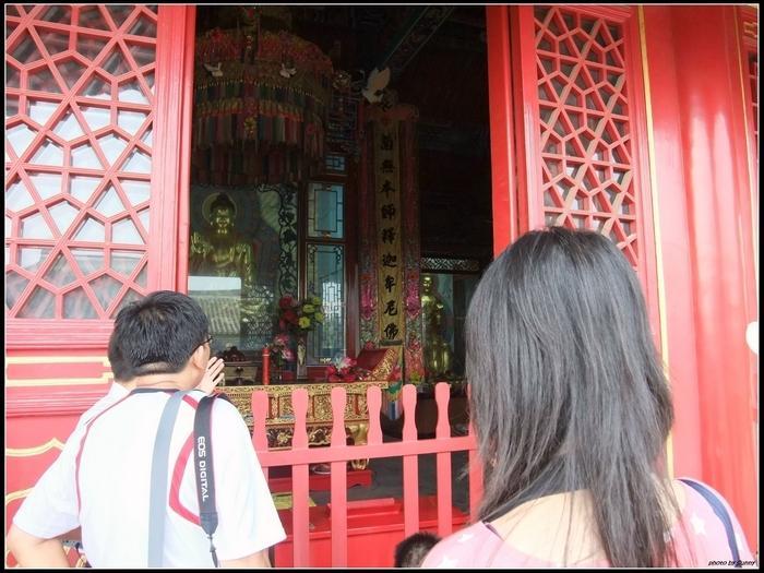 雖然這是一座很誇張的寺廟