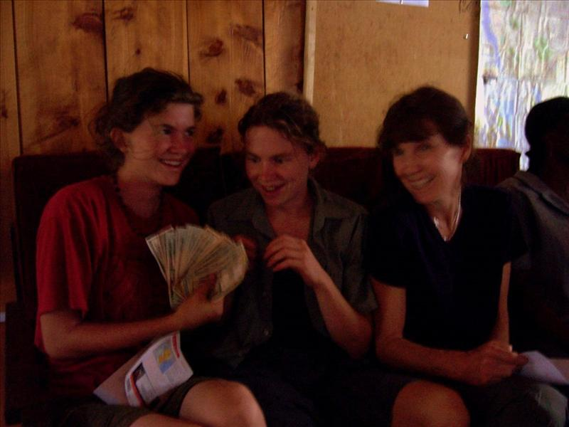 Elisa•Aline•Maman•money•Arusha