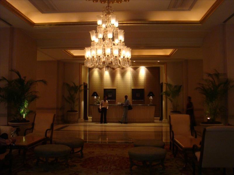 lobby-leela palace, bangalore