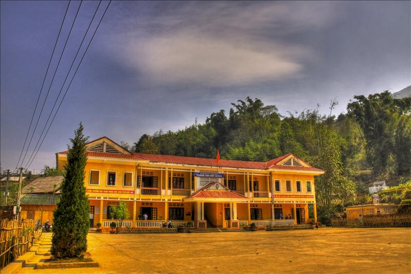 The School in Ta Van