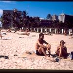 en la playa con Elo
