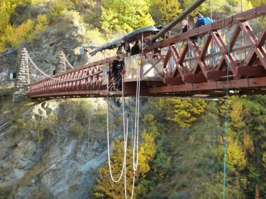 Brave soul, bungy jumping.