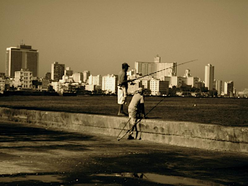 A common pastime on the Malecon.