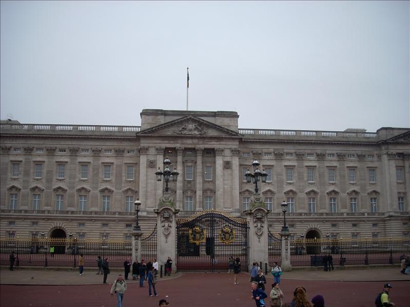 Queen's Crib.
