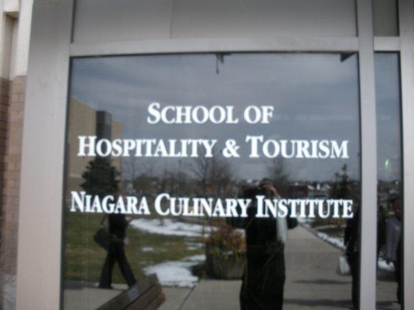 Entering Niagara College of.....<yes u can read> lol