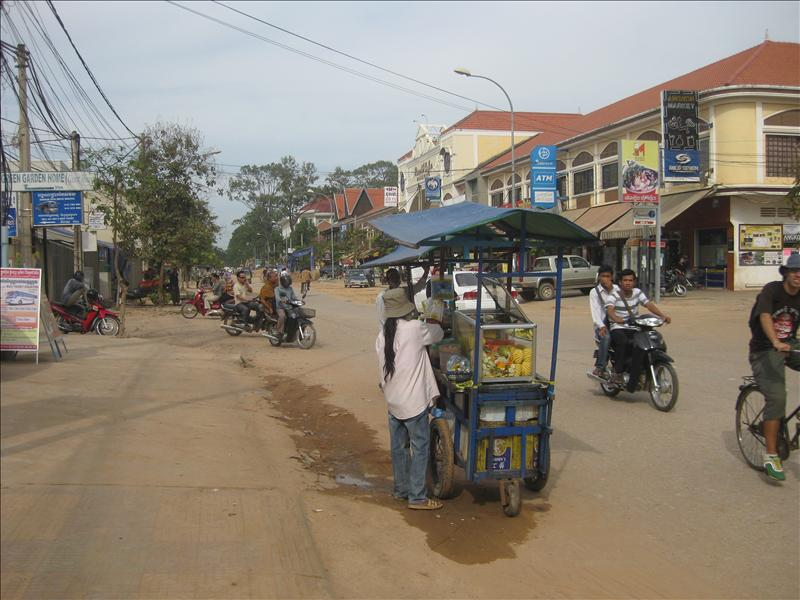 Street vendors with fresh fruit
