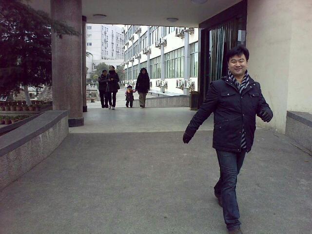 笑  用手机拍摄 (爱拍网 http://ipai.cn/photologs/3645)