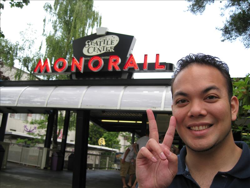 seattle's monorail to westlake mall/space needle