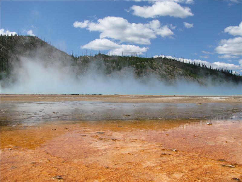 een van de mooiste hot springs, van boven echrt enorm kleurvol