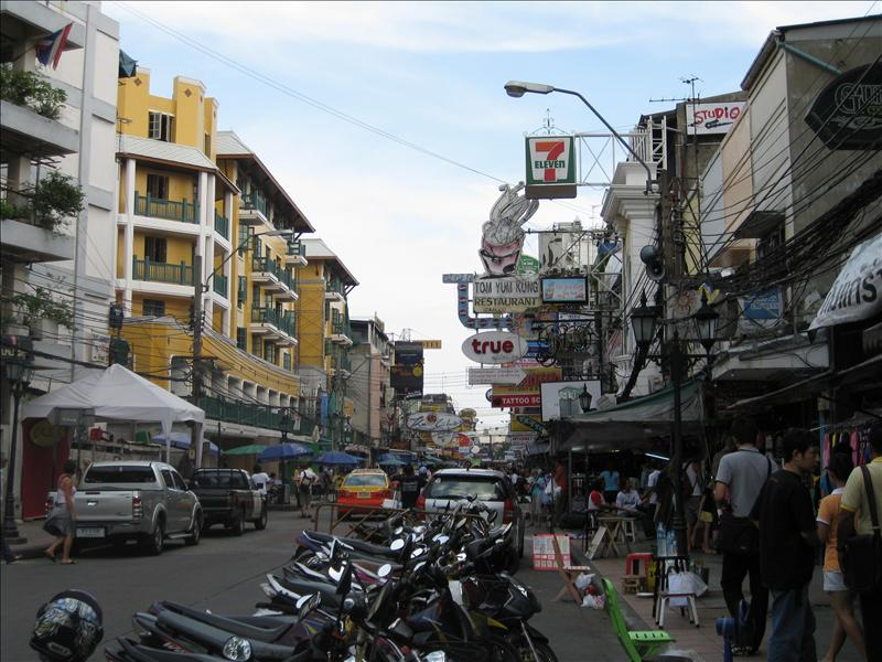 Khaosan Road - Backpacker's home in Bangkok