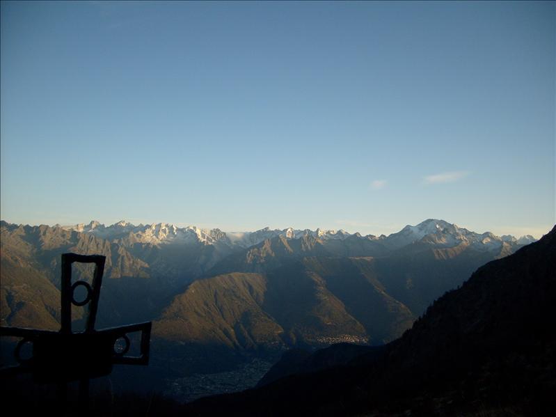 vista da Alpe Pedroria�Monte Disgrazia�2009