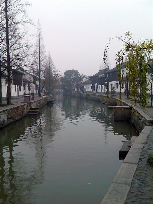冬雨中的水乡