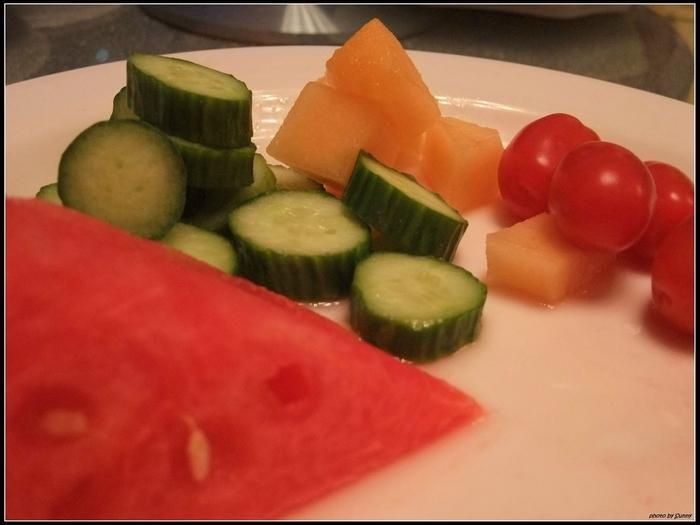 很納悶為何水果中會有小黃瓜