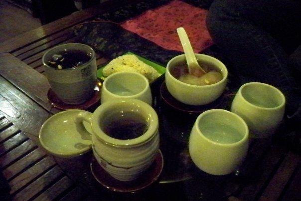 10/14 - insadong: teashop-  our tea - some delicious, some notsomuch...