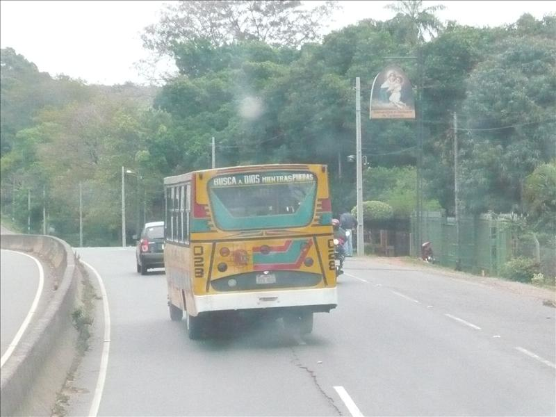 Busaufschrift: Suche Gott solange du kannst! - a buszon: Keresd Isten amíg van lehetöséged rá!