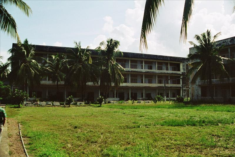 S-21 tuol sleng genocide museum