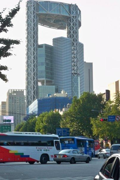 10/14 - insadong: jongno tower -   this is jongno tower which is one of the landmark buildings of the city