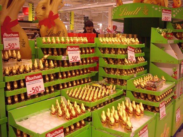 大賣場也滿滿都是巧克力