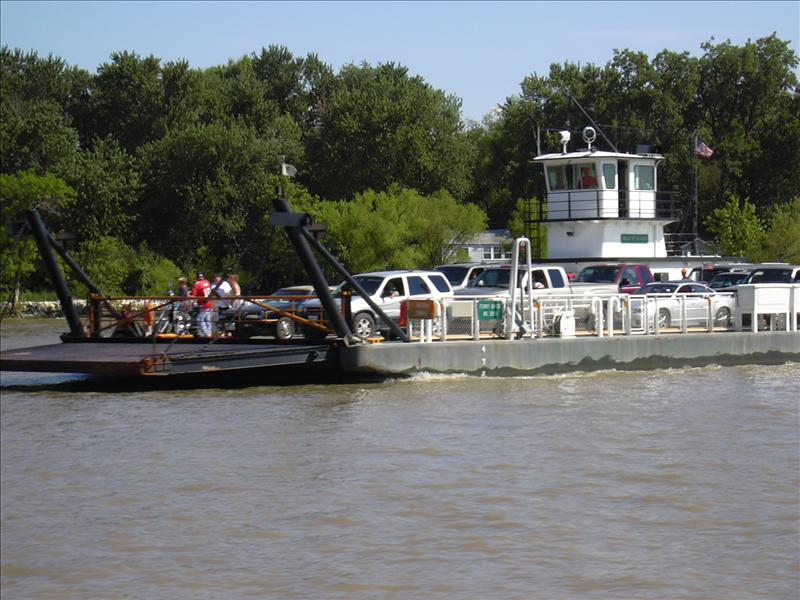 the Grafton ferry is free, take it to Kinder's Restuarant from Grafton, Illinois