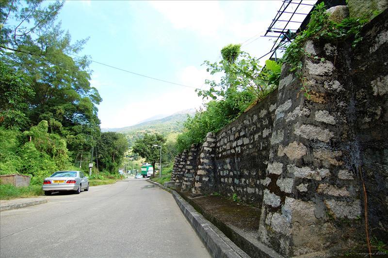 沿川龍路一直上走Chuen Lung Road