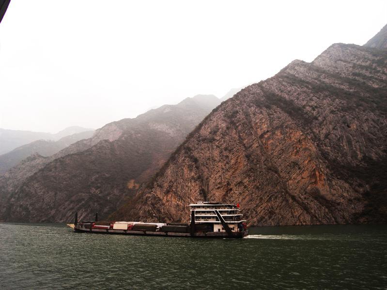 cruising down the yangtze