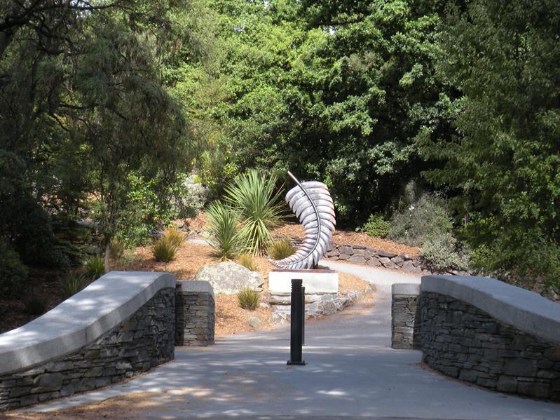 NZ national emblem at entrance to Queenstown botanical gardens