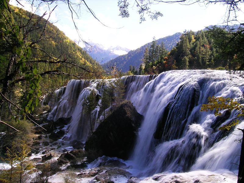 Pearl Shoal Falls (Zhēnzhū Tān Pùbù) 珍珠灘瀑布