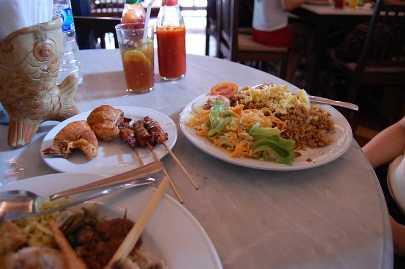 nasi goreng warung made