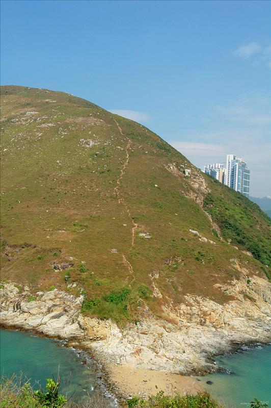 回望玉桂山的山徑